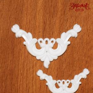 Уголок №4, белый, 4х5 см +1.98грн