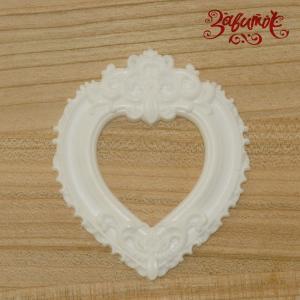 Рамка Сердце с вензелями, 7х6 см, полимерная фигурка - Заготовки для декупажа. Интернет-магазин Завиток