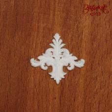 Вензель белый, 2,7х2,5 см, полимерная фигурка